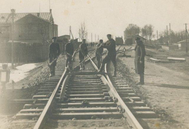 Subačiaus stoties geležinkelininkai.
