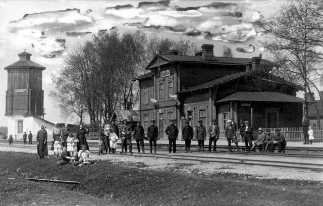 Subačiaus geležinkelio stotis. Apie 1928 m. P. Šinskio nuotrauka.