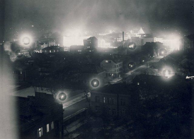 Kaunas naktį. 1938 m. vasario 16 d.