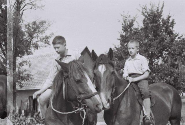 Jonas Mažylis (Prano sūnus, Liudo tėvas) ir Prano sūnėnas Jurgis Jankevičius, Šileikiškių kaimas