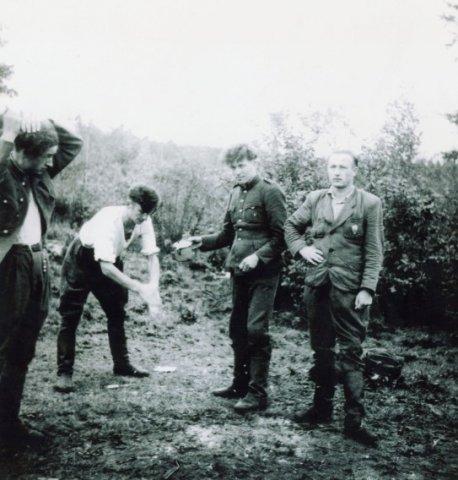 Algimanto apygardos Vytenio būrio partizanai (iš S. Bagdonavičiaus albumo).