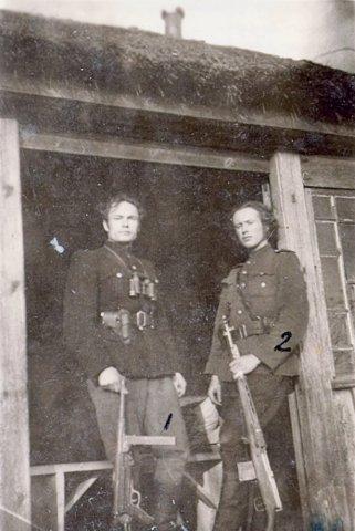 Algimanto apygardos štabo viršininkas Albinas Pajarskas-Bebas (dešinėje). GAM