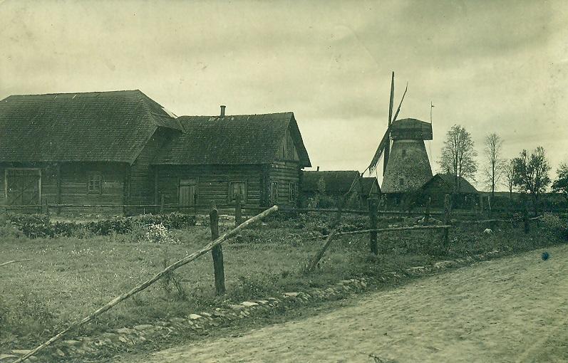 Senieji Kupiškio pastatai ir malūnas. KEM 1922