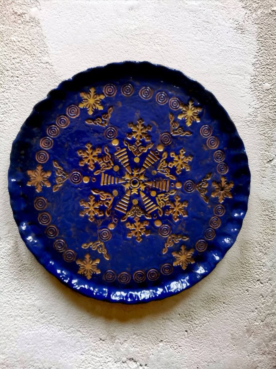 """Akimirka"". Keramika: molis, glazūra Dydis 26 cm. Edita Revaitienė"