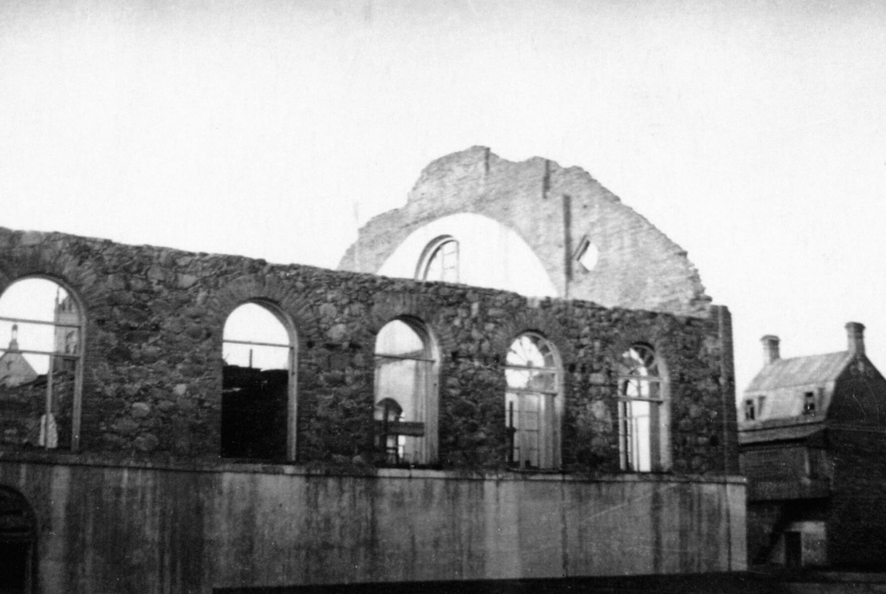 Rekonstruojama buvusi Didžioji Kupiškio sinagoga. Apie 1948 m.